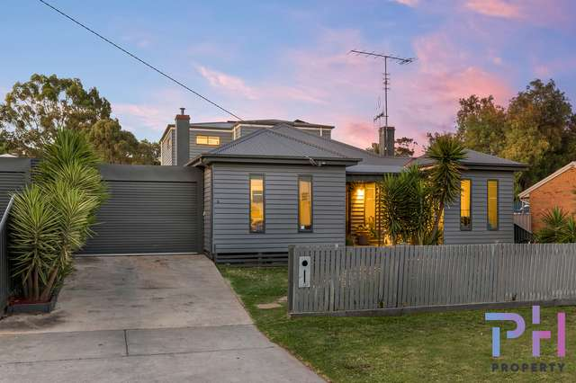 16 Burrowes Street, Golden Square VIC 3555