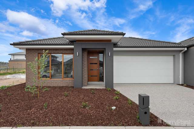 5 Venetia Way, Cranbourne South VIC 3977