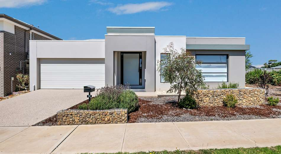 15 Watermint Way, Clyde North VIC 3978