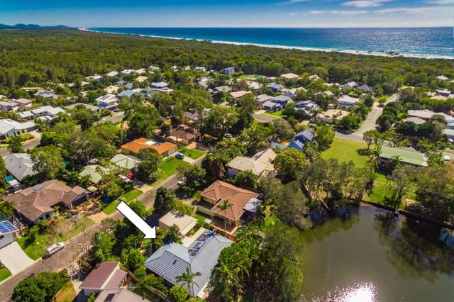 6 Barkala Court, Ocean Shores NSW 2483