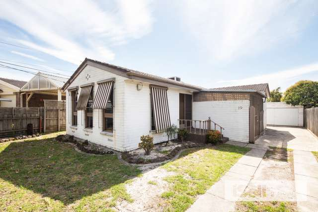 19 Andleon Way, Springvale South VIC 3172