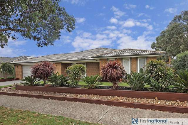 33 Donohue Street, Cranbourne East VIC 3977