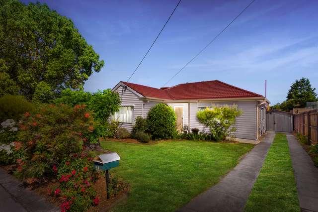 11 Pines Grove, Oak Park VIC 3046