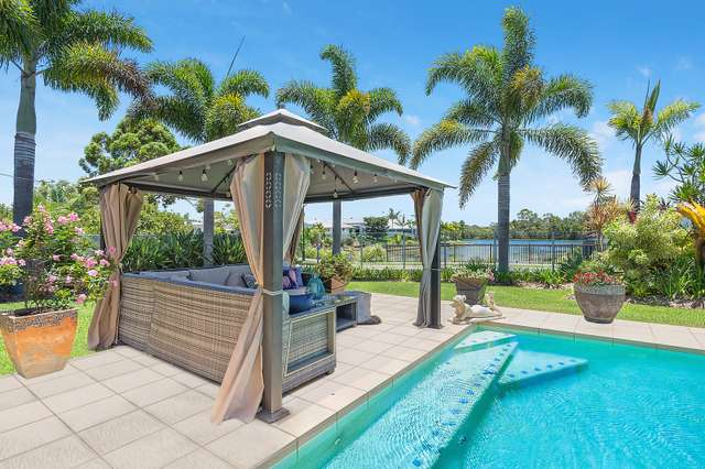 9 Sovereign Circuit, Pelican Waters QLD 4551