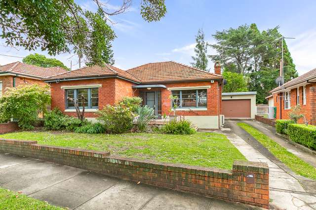 28 Noble Street, Rodd Point NSW 2046