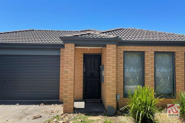 19 Avalon Crescent, Cranbourne East VIC 3977