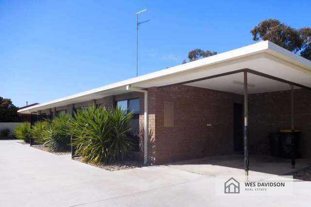 3/4 Burgess Street, Horsham VIC 3400