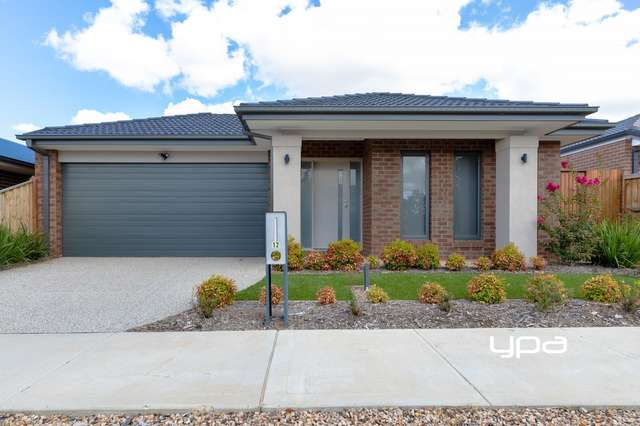 12 Pavillion Circuit, Sunbury VIC 3429