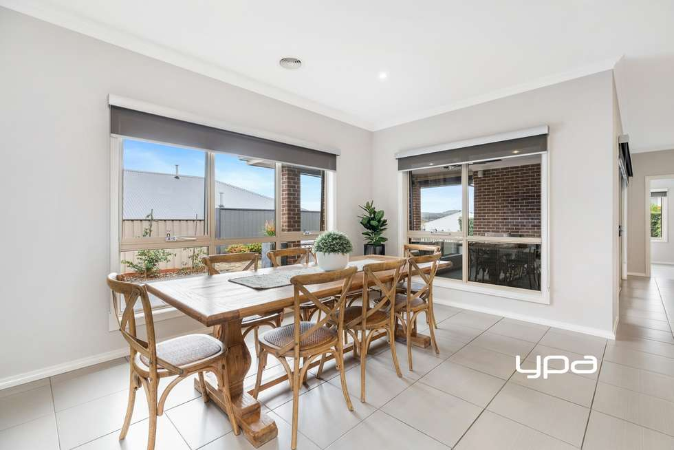 Fourth view of Homely house listing, 8 Waterloo Rise, Sunbury VIC 3429