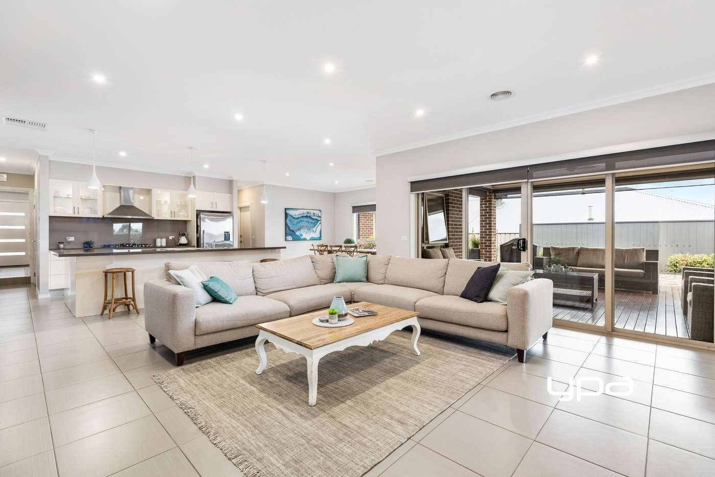 Fifth view of Homely house listing, 8 Waterloo Rise, Sunbury VIC 3429