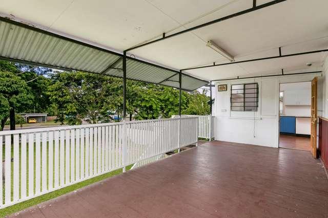 12 Miles Street, Manoora QLD 4870