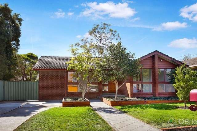 7 Champion Crescent, Glen Waverley VIC 3150