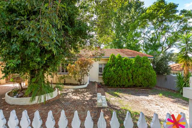 32 Mt Henry Road, Salter Point WA 6152