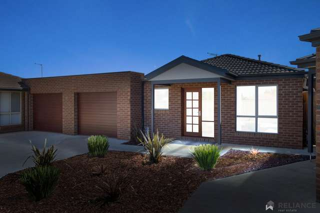 2/8 Coventry Place, Melton South VIC 3338