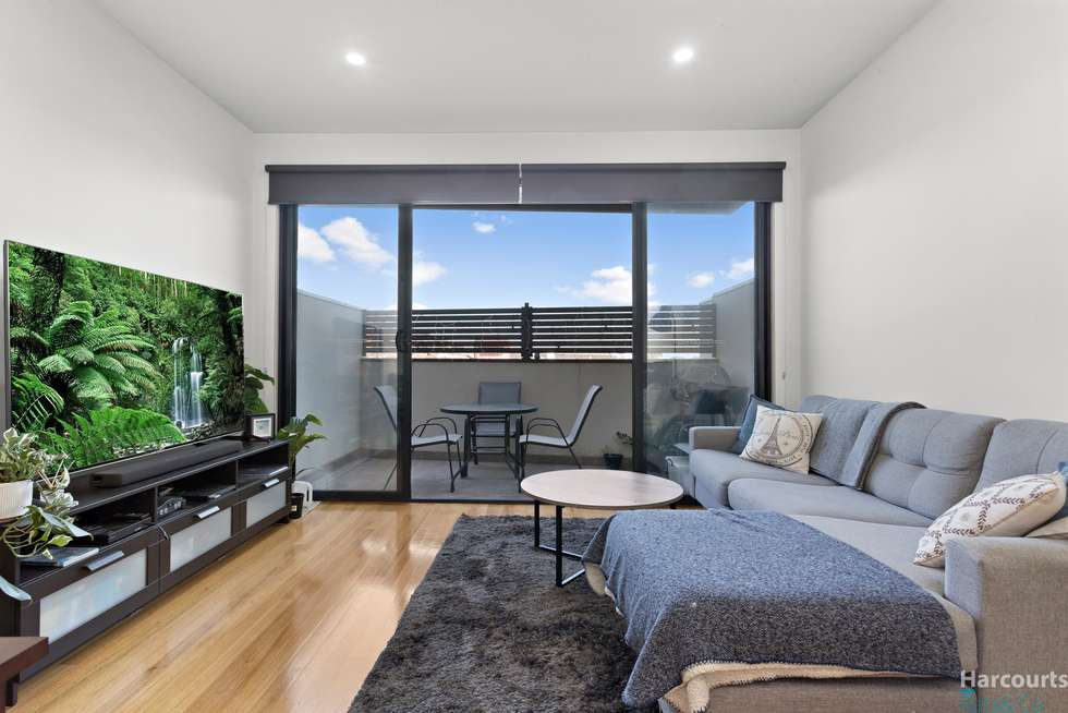 Second view of Homely townhouse listing, 3/100 Snell Grove, Oak Park VIC 3046