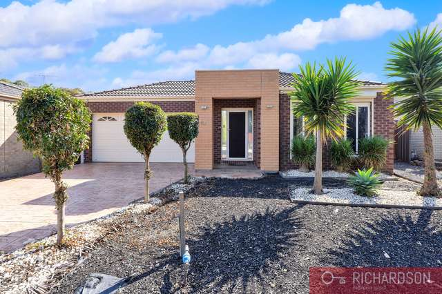 42 Clearwater Rise Parade, Truganina VIC 3029
