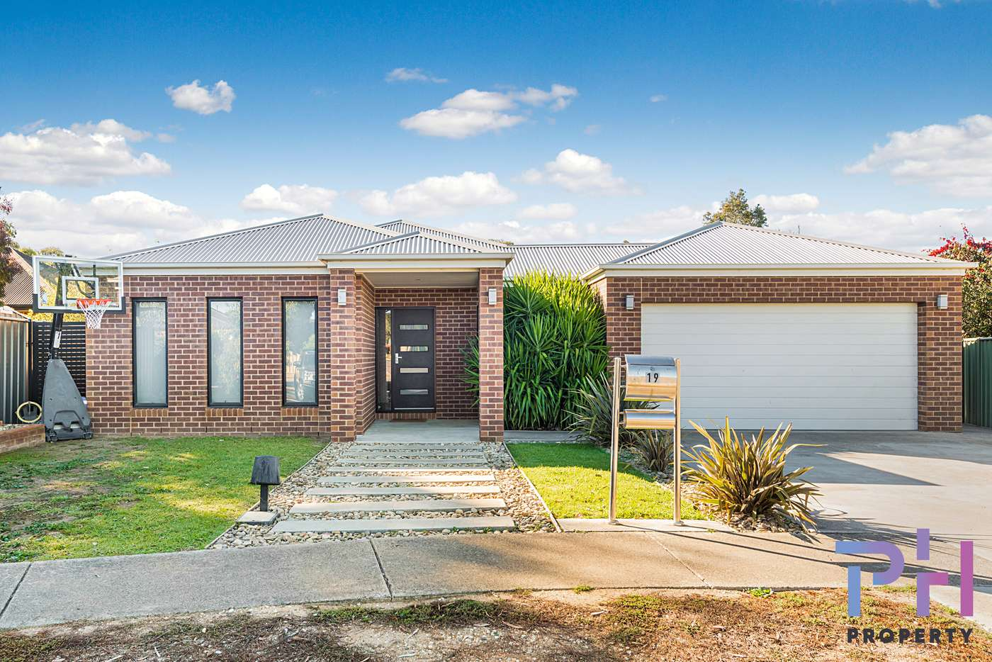 Main view of Homely house listing, 19 Henry Court, Strathfieldsaye VIC 3551