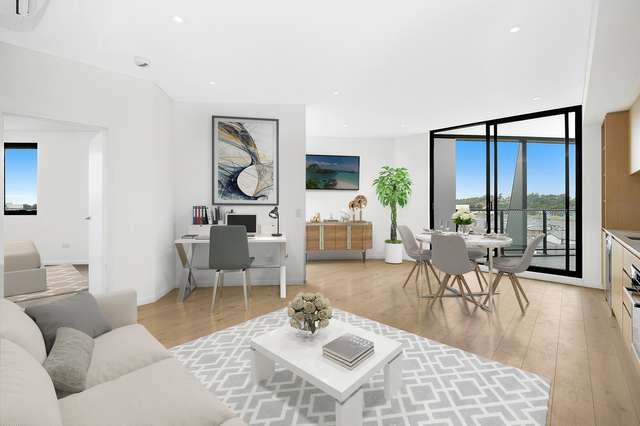 215/60 Lord Sheffield Circuit, Penrith NSW 2750