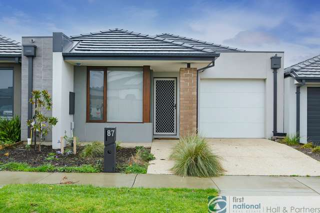 87 Athletic Circuit, Clyde VIC 3978