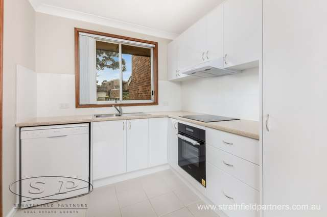 8/18 Hoskings Crescent, Glenfield NSW 2167