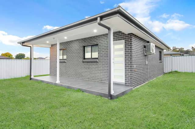 a/32 Buckland Road, St Clair NSW 2759
