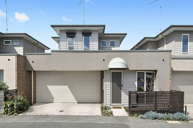 8 Little Fenwick Street, Geelong VIC 3220