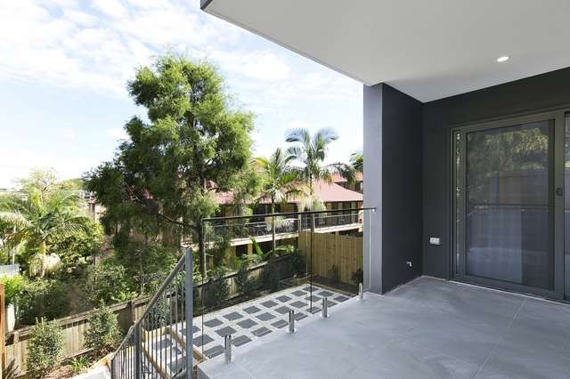 2/45 Clarence Road, Indooroopilly QLD 4068