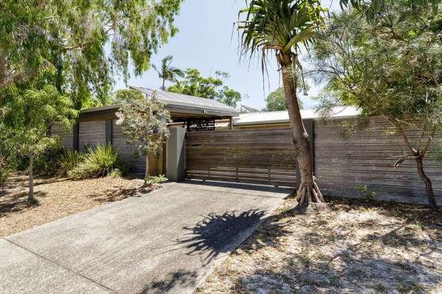 8 Wollomia Way, Sunrise Beach QLD 4567