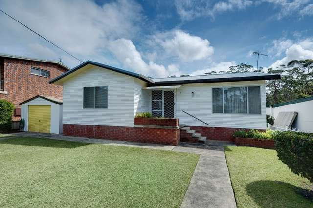 3 Oak Avenue, Lake Tabourie NSW 2539