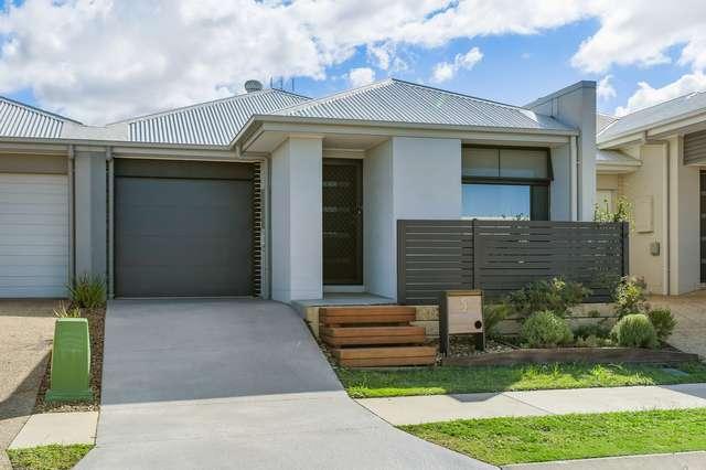 5 Rosseau Street, Caloundra West QLD 4551