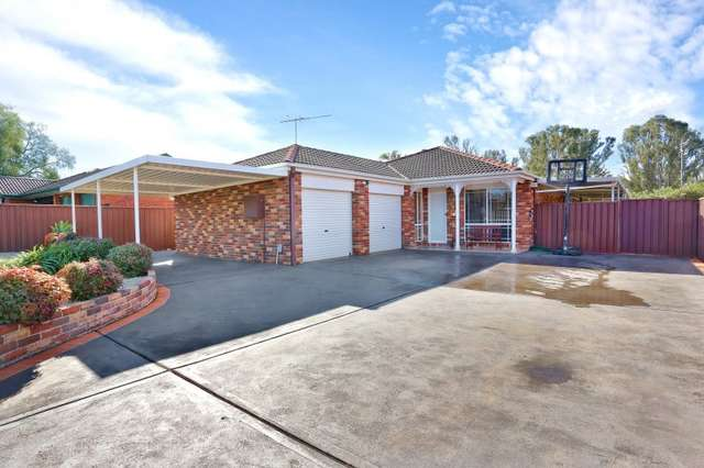 6 Yellow Place, Claremont Meadows NSW 2747