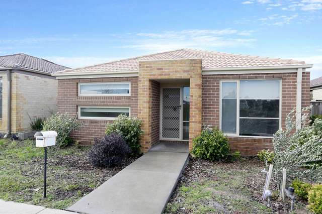 3 Pallyang Lane, Cranbourne East VIC 3977