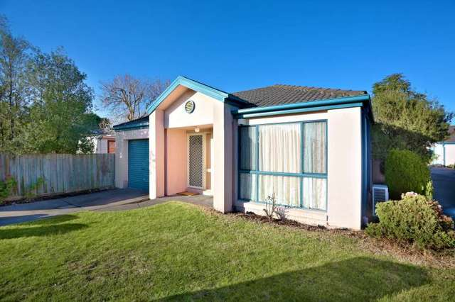 1/8 Brush Gr, Glen Waverley VIC 3150