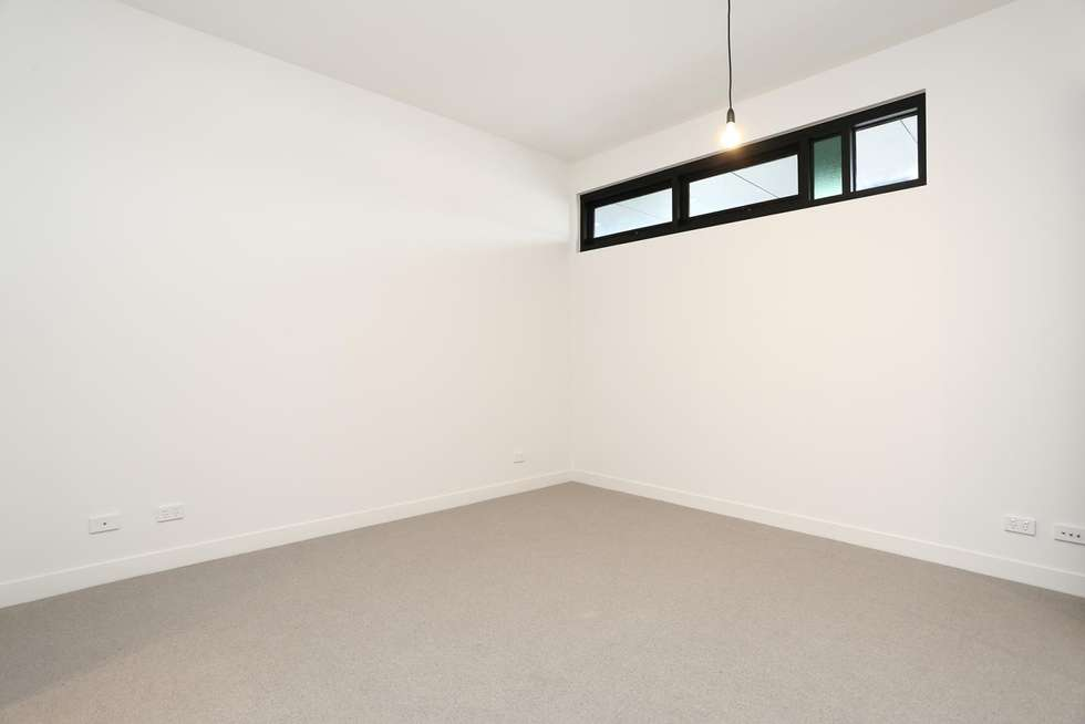 Fourth view of Homely apartment listing, 501/28 Curzon Street, West Melbourne VIC 3003