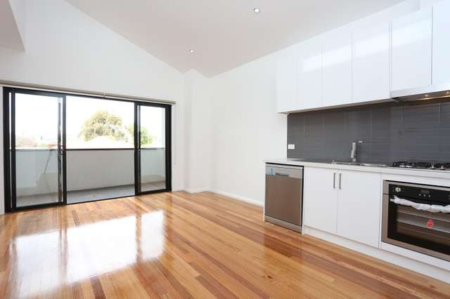 3/22 Green Street, Airport West VIC 3042