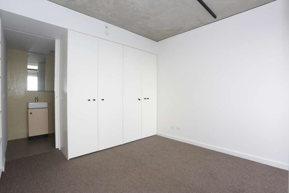 Third view of Homely apartment listing, 1904/152 Sturt Street, Southbank VIC 3006