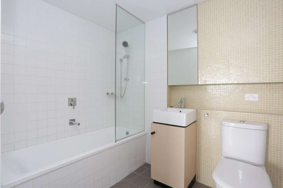Fourth view of Homely apartment listing, 1904/152 Sturt Street, Southbank VIC 3006
