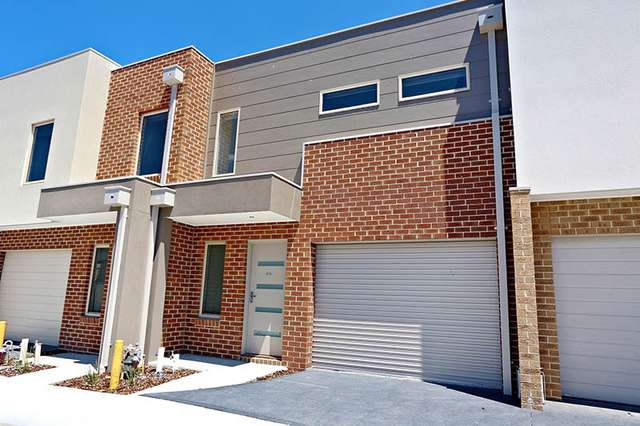 4/4 Ryrie Grove, Wollert VIC 3750