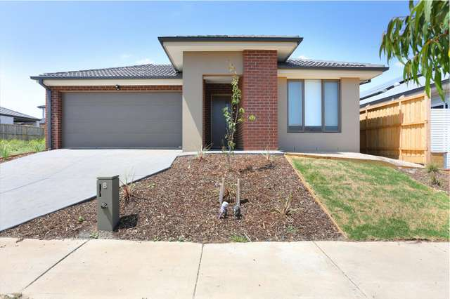 8 Travellers Street, Diggers Rest VIC 3427