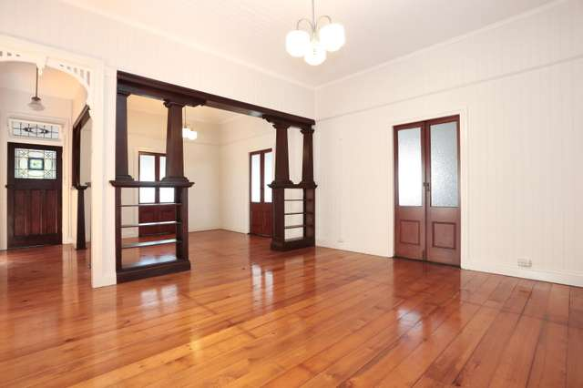 84 Stanley Terrace, Taringa QLD 4068