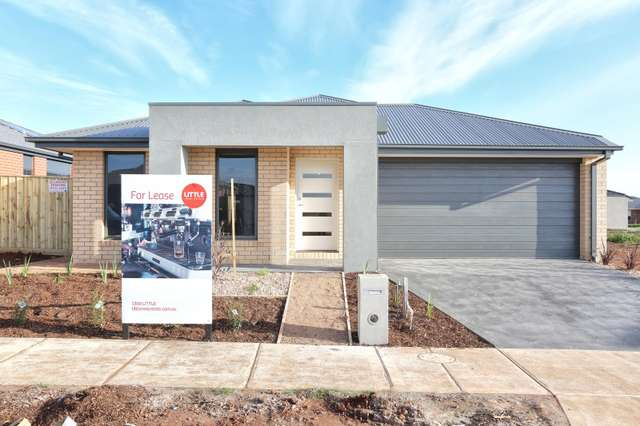 15 Harry Drive, Thornhill Park VIC 3335