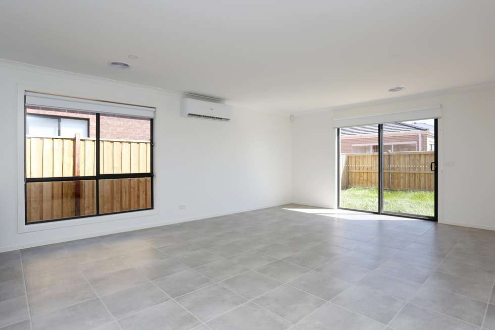 Second view of Homely house listing, 5 Bristol Street, Strathtulloh VIC 3338