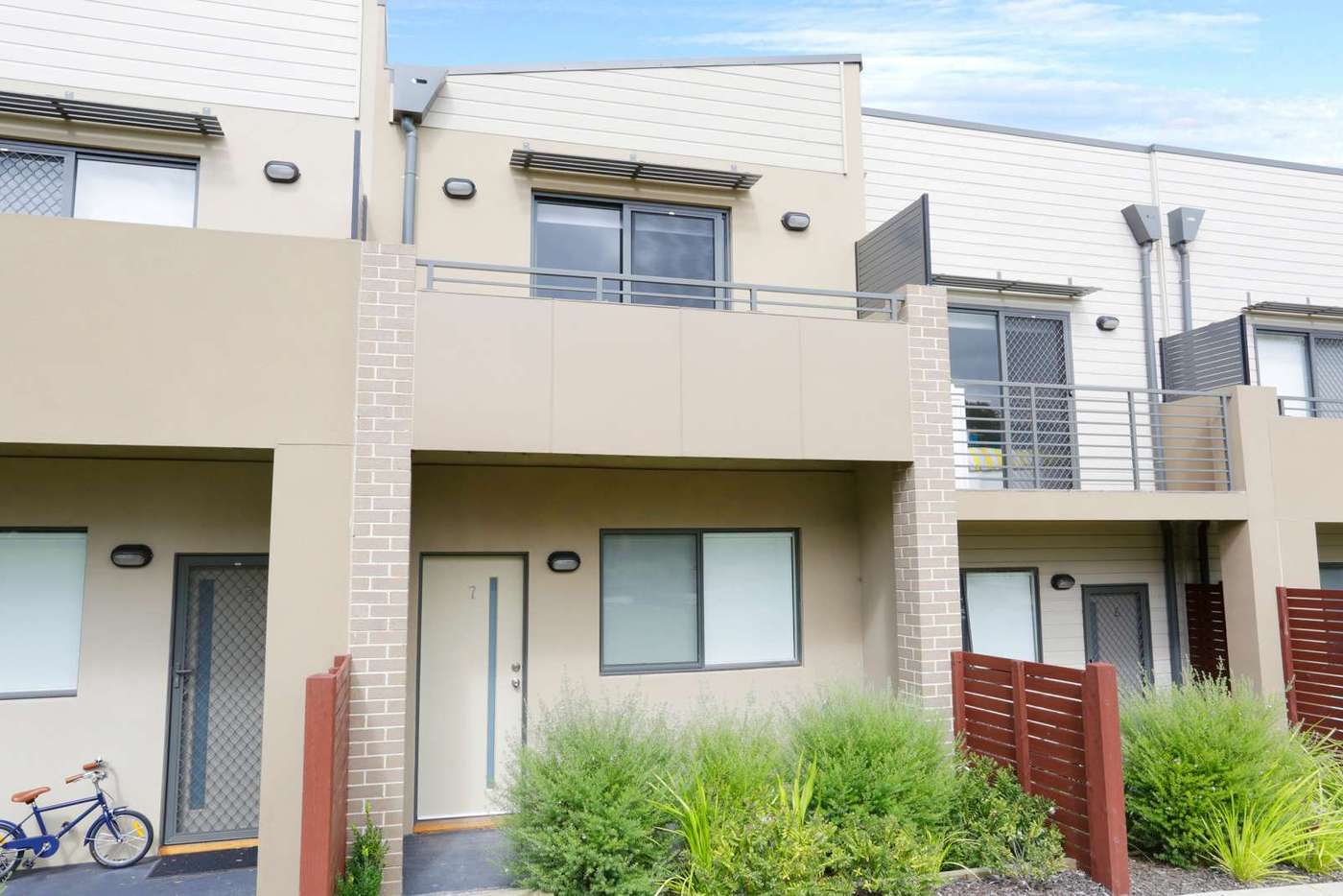 Main view of Homely townhouse listing, 7 Demmie Mews, Lyndhurst VIC 3975