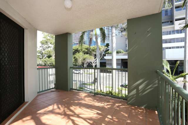 2/6 White Street, Southport QLD 4215