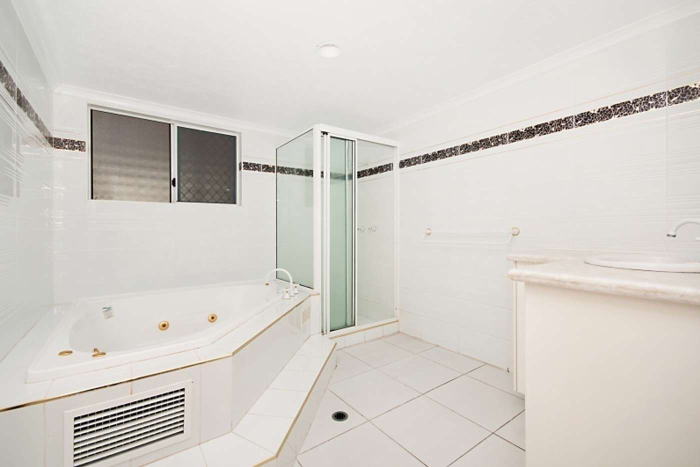 Seventh view of Homely apartment listing, 3/13 Hillside Crescent, Townsville City QLD 4810