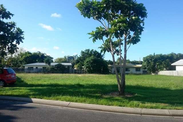 17 Ocean Ave, Cooya Beach QLD 4873