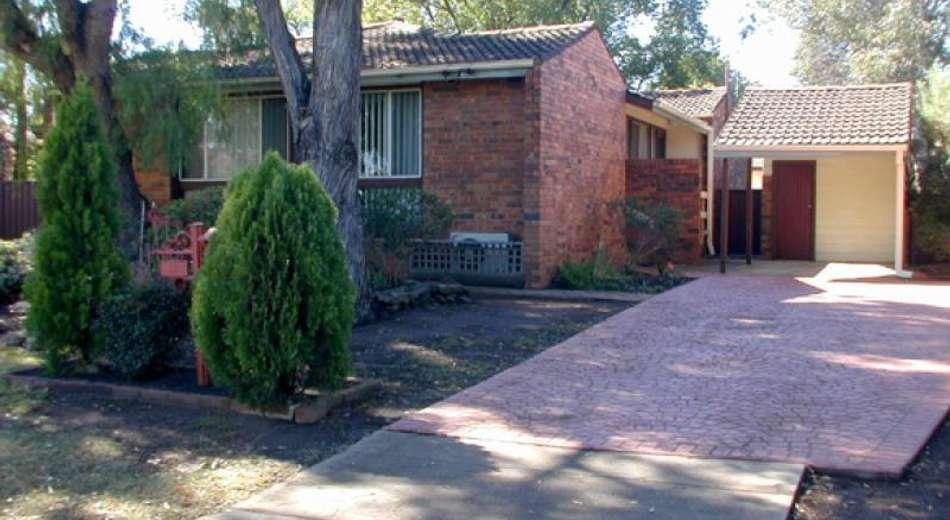 4 Wilkes Avenue, Moorebank NSW 2170