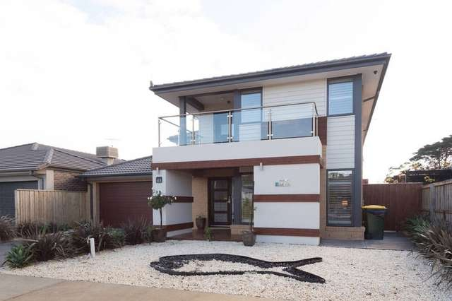 18 Half Moon Crescent, Indented Head VIC 3223