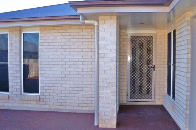 Unit 2/54 Windmill Road, Chinchilla QLD 4413