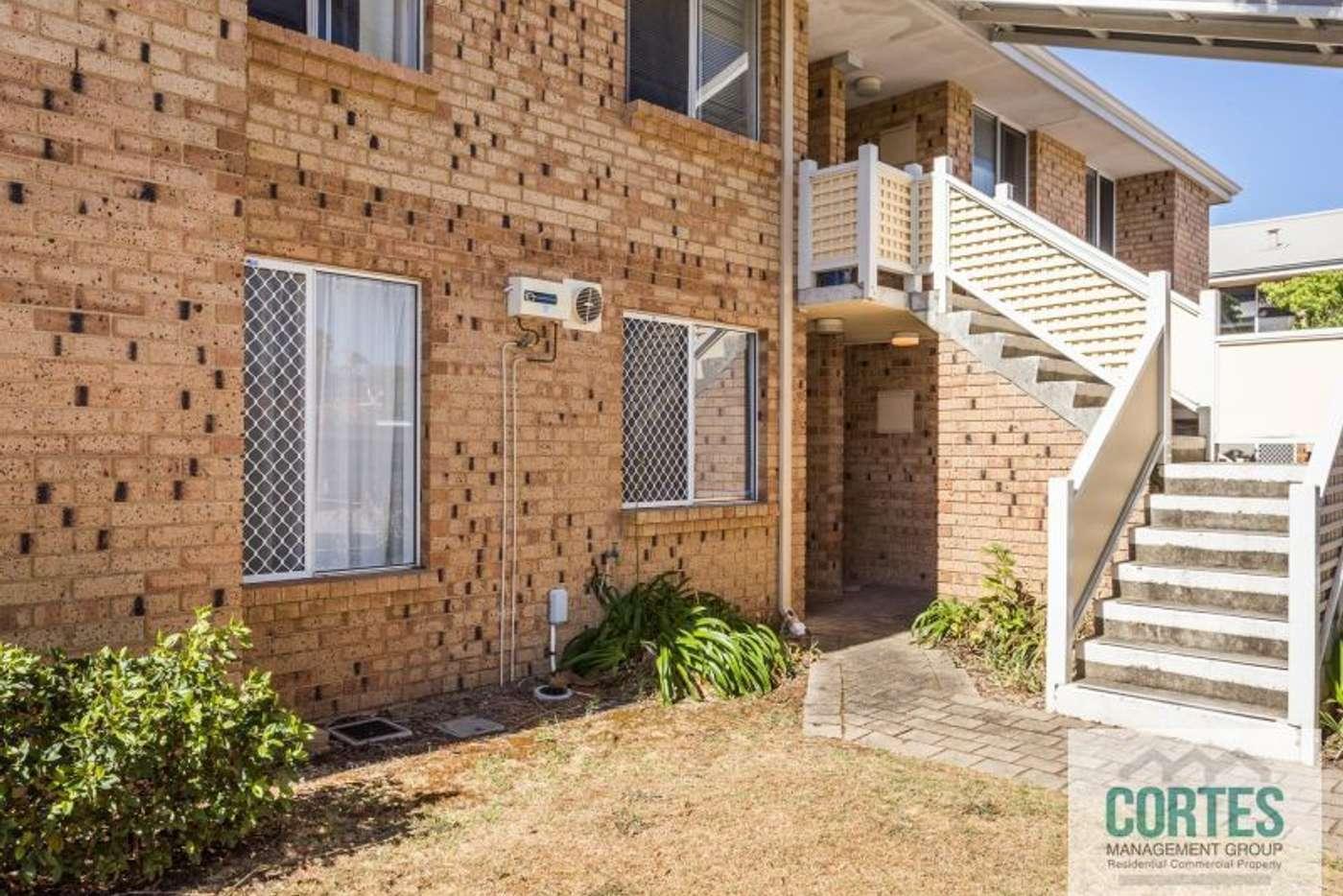 Main view of Homely unit listing, 15/2 Pinewood Avenue, Kardinya WA 6163